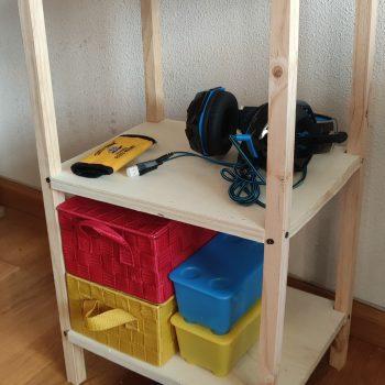 Mi primera estantería, construida a los 10 años